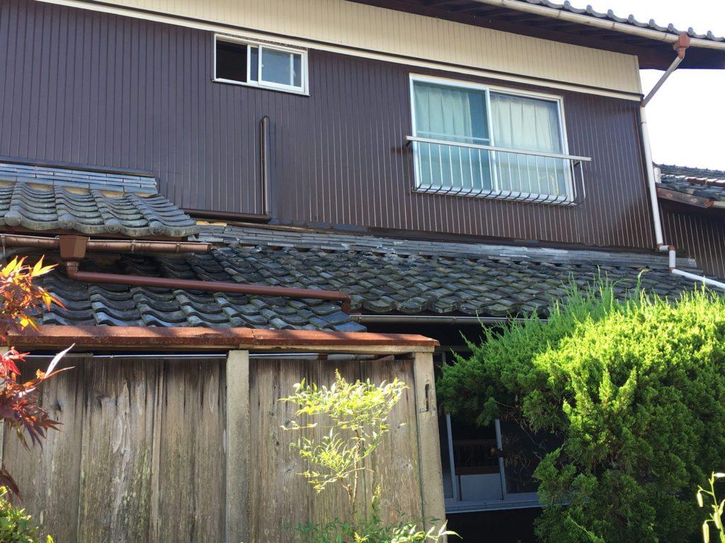 下屋根の葺き替え施工前