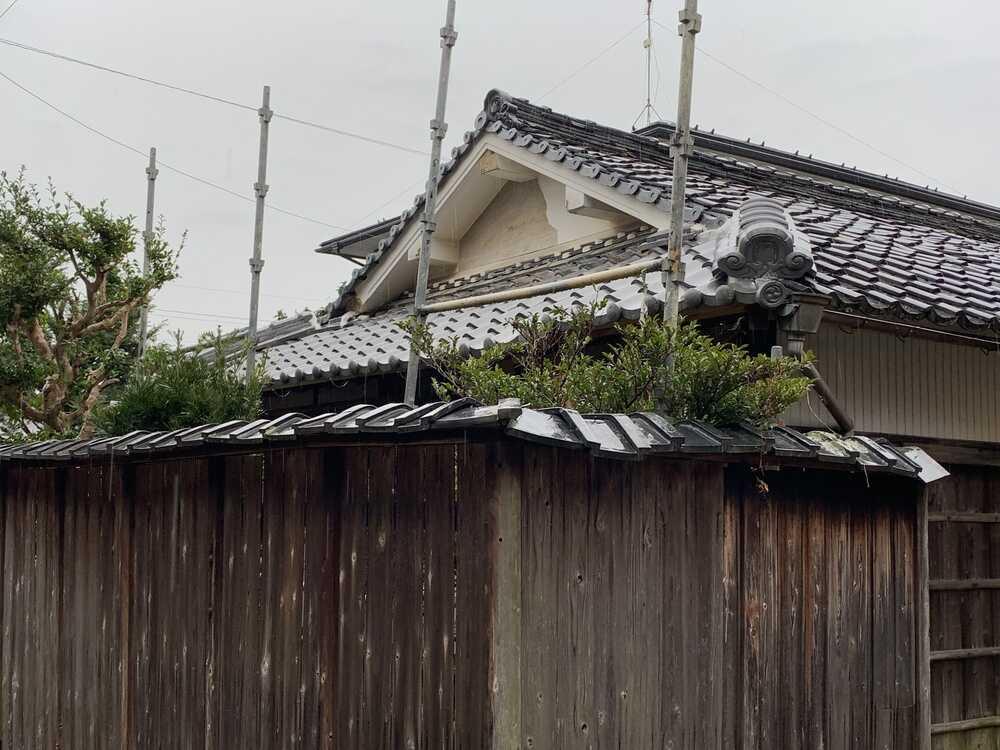 屋根瓦補修完了