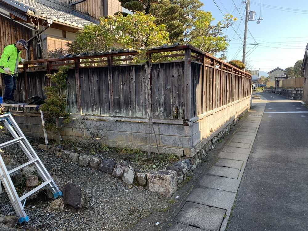 塀建て替え前の状態