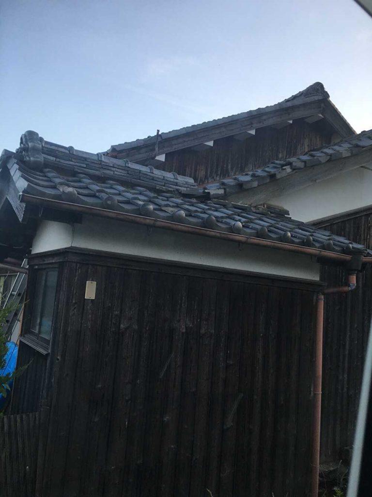 下屋根葺き替え施工前
