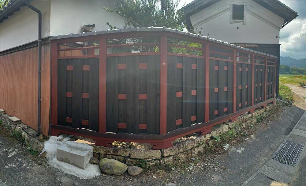 塀瓦を施工して完成