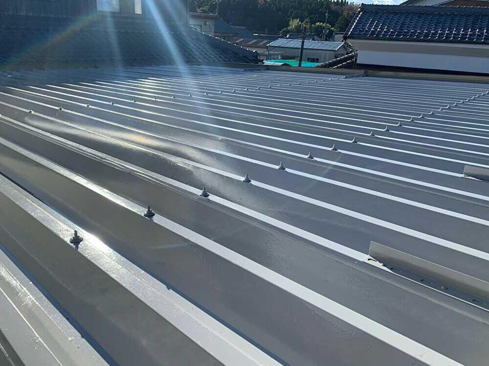 折半屋根塗装完了