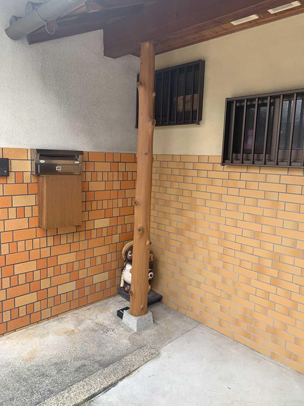 玄関支柱塗装後